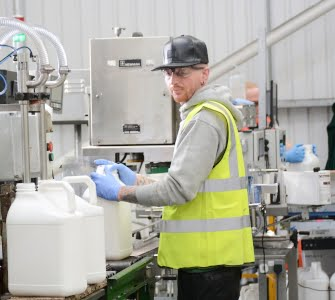 picture of the 2 head bottle production line